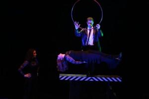 Spettacoli Magia Comnica Bambini Adulti Prestigiatore Illusionista Trampoliere Napoli Caserta Roma e Provincia